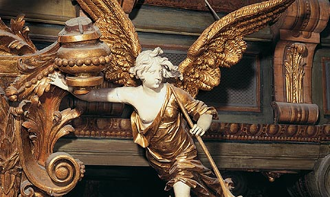 Picture: Allegory of Fama above the proscenium arch